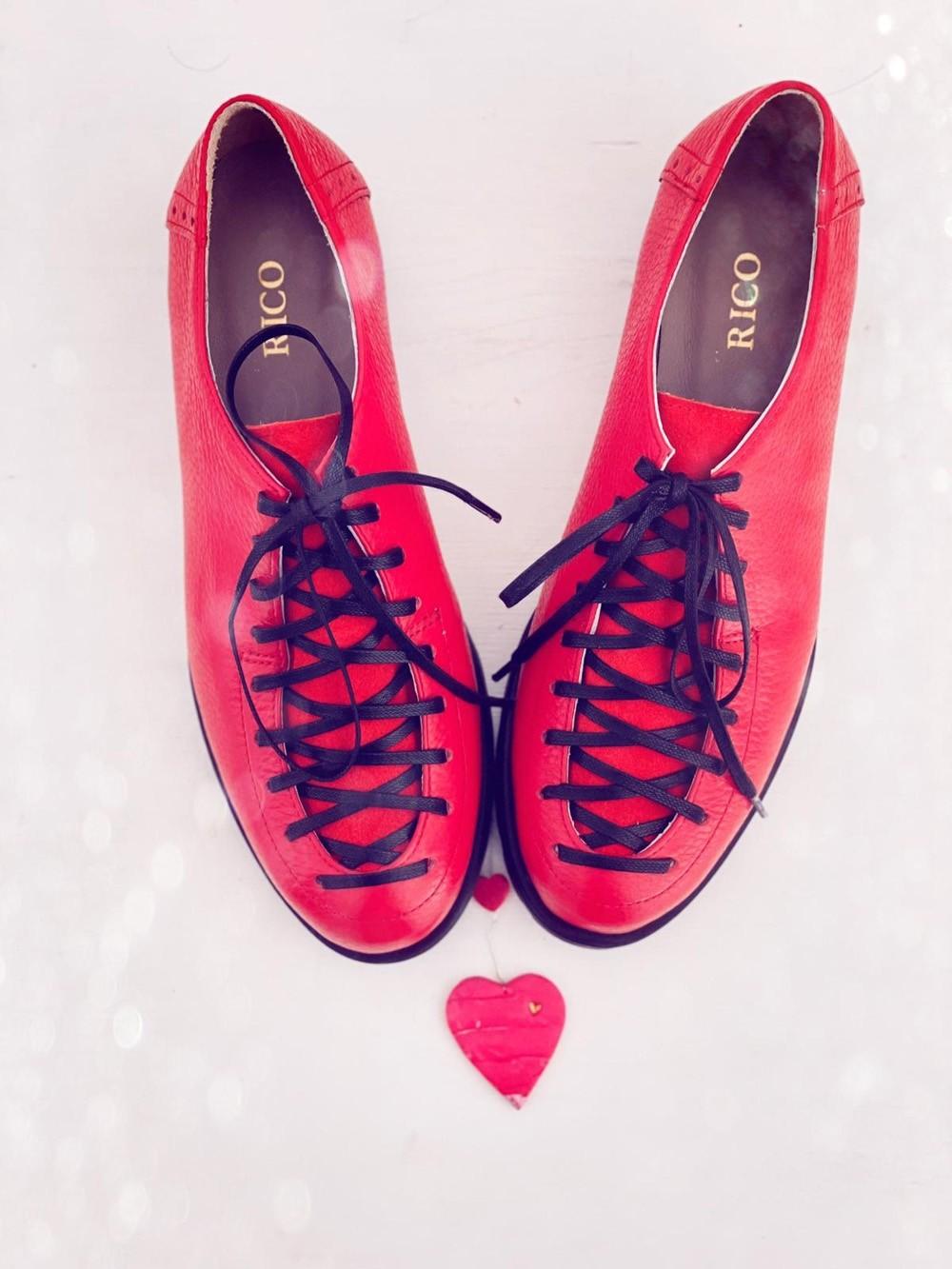 Pantofi dama rosii cu siret din piele naturala