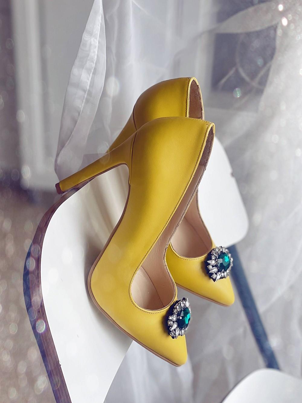 Pantofi dama stiletto piele naturala galben cu piatra