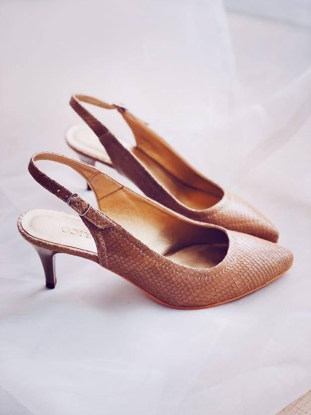 Sandale dama cu toc mic bej