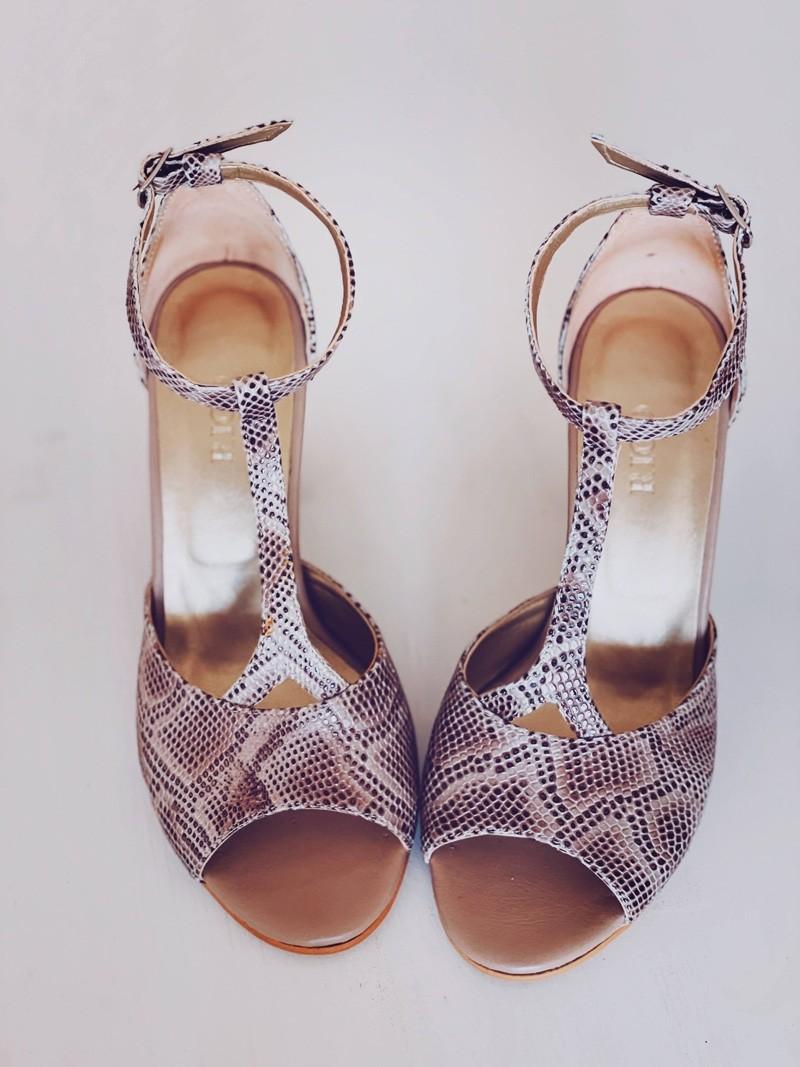 Sandale dama cu toc din piele bej